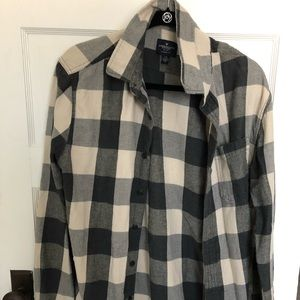 American Eagle Flannel Button Up